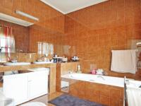 Main Bathroom - 10 square meters of property in Waterkloof Heights