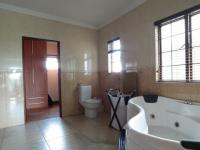 Main Bathroom - 15 square meters of property in Midstream Estate