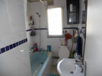 Bathroom 1 - 6 square meters of property in Hillary
