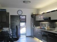 Kitchen - 12 square meters of property in Glenvista