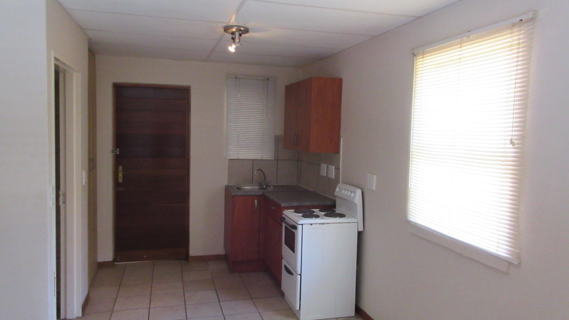 Kitchen - 8 square meters of property in Potchefstroom