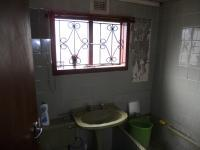 Bathroom 1 - 5 square meters of property in Caneside