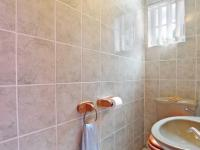 Bathroom 2 - 9 square meters of property in Constantia Glen