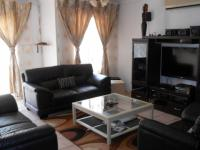 Lounges - 27 square meters of property in Karenpark
