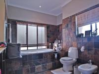 Main Bathroom - 12 square meters of property in Woodhill Golf Estate