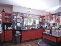 Kitchen - 22 square meters of property in Woodhill Golf Estate