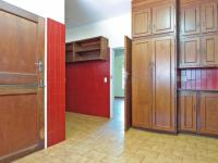 Kitchen - 25 square meters of property in Waterkloof Glen
