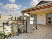 Balcony - 39 square meters of property in Silver Lakes Golf Estate