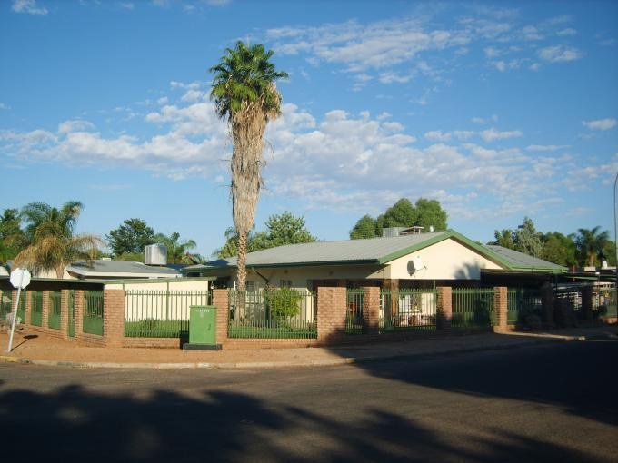 Standard Bank Insolvent 3 Bedroom House for Sale For Sale in Upington - MR138454