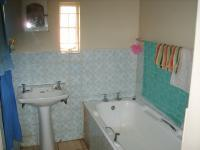 Bathroom 3+ of property in Upington