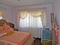 Main Bedroom - 21 square meters of property in Mobeni Heights