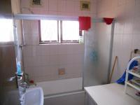 Bathroom 1 - 6 square meters of property in Mobeni Heights