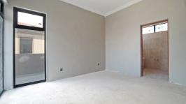 Main Bedroom - 24 square meters of property in Heron Hill Estate
