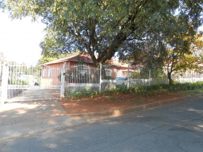 Standard Bank EasySell 3 Bedroom House For Sale in Discovery - MR138544