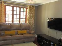 Lounges - 41 square meters of property in Fellside