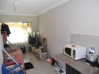 Bed Room 4 - 24 square meters of property in Umtentweni