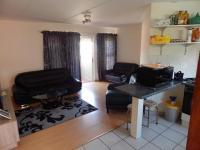 Lounges - 17 square meters of property in Bromhof