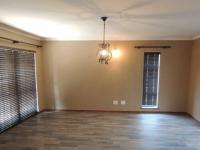 Lounges - 18 square meters of property in Secunda