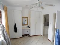 Main Bedroom - 17 square meters of property in Uvongo