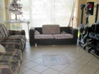 Lounges - 16 square meters of property in Alberton
