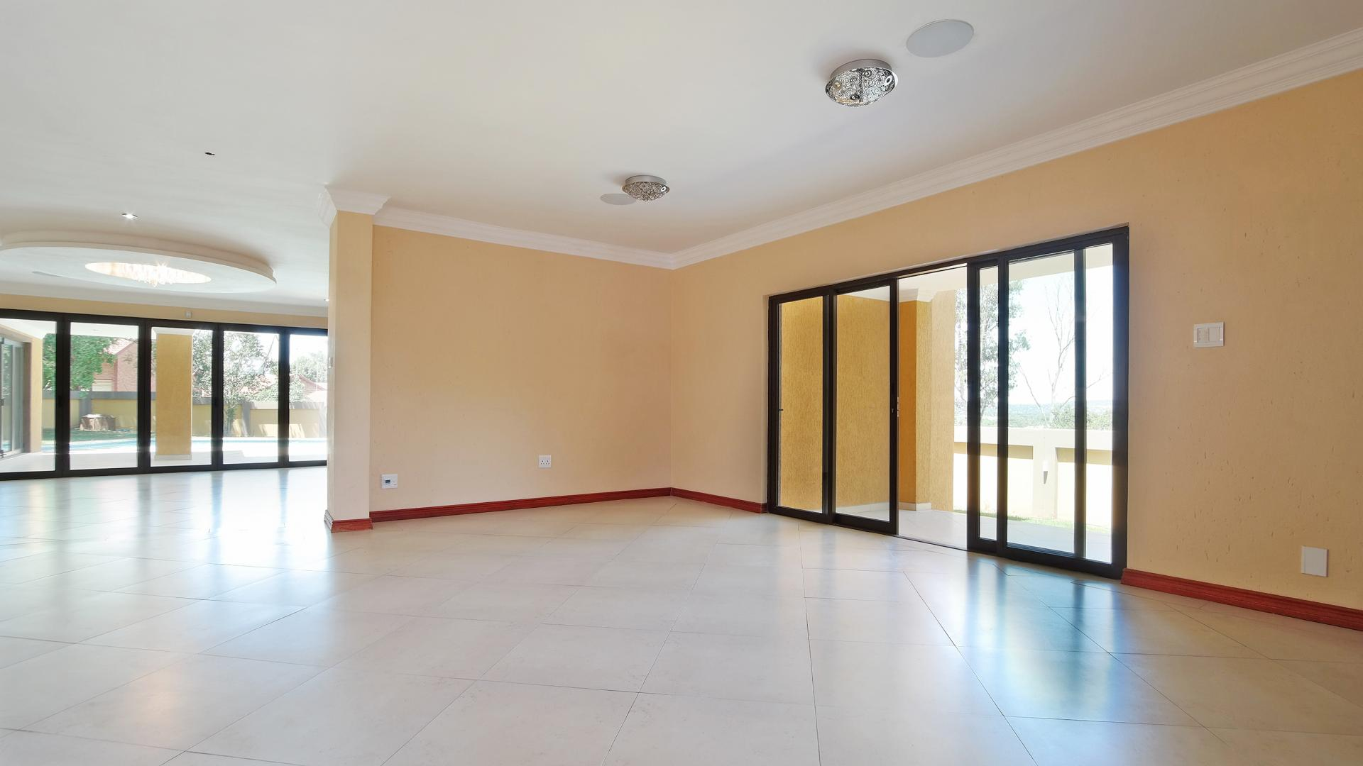 Dining Room - 38 square meters of property in Waterkloof Heights