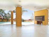 Patio - 92 square meters of property in Waterkloof Heights
