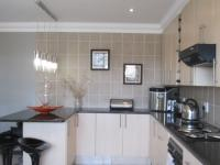 Kitchen - 21 square meters of property in Bassonia