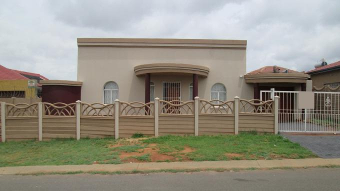 3 Bedroom House for Sale For Sale in Lenasia South - Private Sale - MR139023