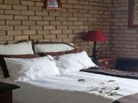 Bed Room 2 - 23 square meters of property in Mossel Bay