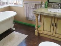Main Bathroom - 7 square meters of property in Mulbarton
