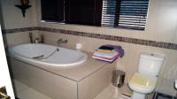 Main Bathroom - 10 square meters of property in Glenashley