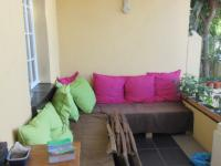 Patio - 32 square meters of property in Rosebank - CPT