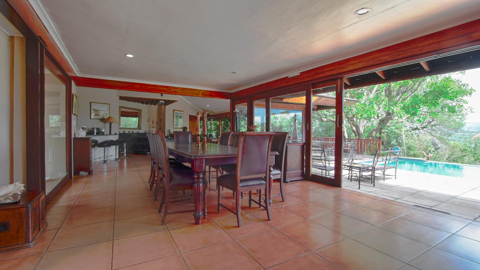 Dining Room - 35 square meters of property in Magaliesburg