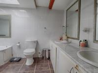 Bathroom 1 - 15 square meters of property in Magaliesburg