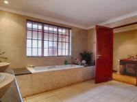 Bathroom 3+ - 27 square meters of property in Magaliesburg