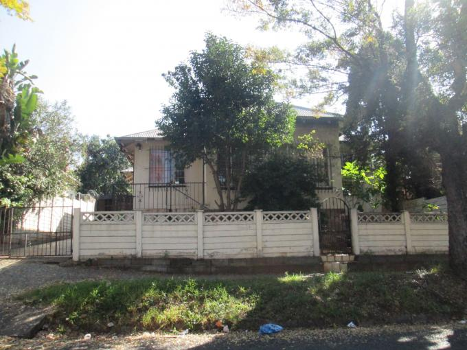 Standard Bank Insolvent 3 Bedroom House For Sale in Malvern - MR139254