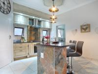 Kitchen - 19 square meters of property in The Meadows Estate