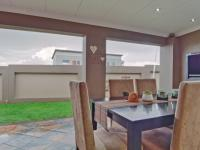 Patio - 23 square meters of property in The Meadows Estate
