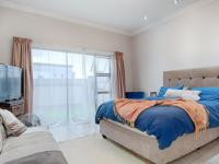 Main Bedroom - 28 square meters of property in The Meadows Estate