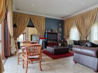 Lounges - 36 square meters of property in The Wilds Estate