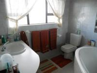 Main Bathroom - 9 square meters of property in Mossel Bay