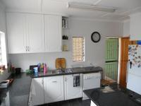 Kitchen - 21 square meters of property in Mandini