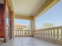 Balcony - 122 square meters of property in Woodhill Golf Estate