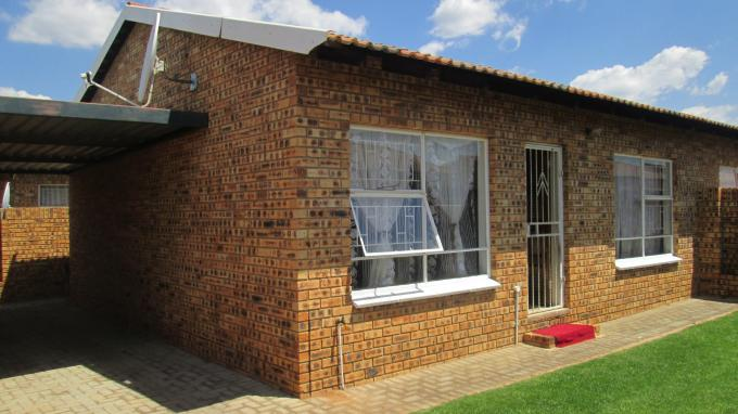 2 Bedroom Cluster For Sale in Randfontein - Private Sale - MR139454