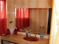 Bathroom 1 - 4 square meters of property in Newlands - JHB
