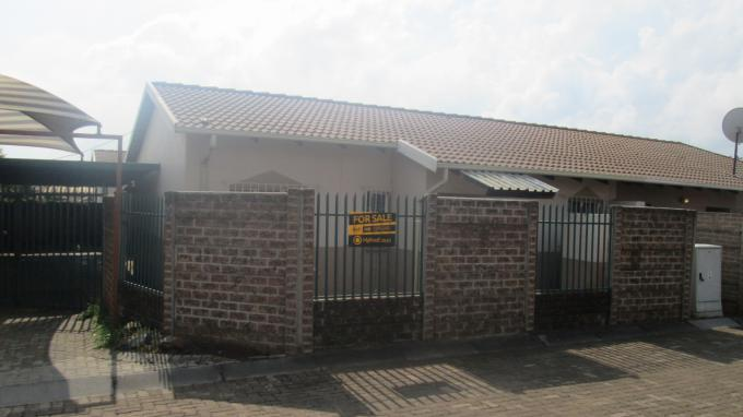 Standard Bank EasySell 2 Bedroom Sectional Title for Sale For Sale in Klippoortje North - MR139649