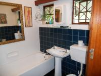 Main Bathroom - 6 square meters of property in Umkomaas