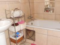 Main Bathroom - 5 square meters of property in Claremont