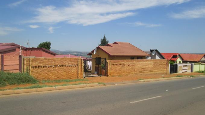 2 Bedroom House For Sale in Naturena - Home Sell - MR139777