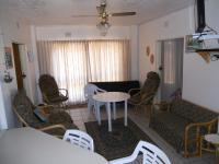 Lounges - 17 square meters of property in Uvongo